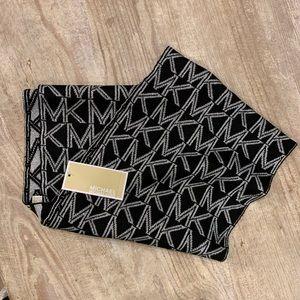 MICHEAL Micheal Kors Metallic Knit Scarf